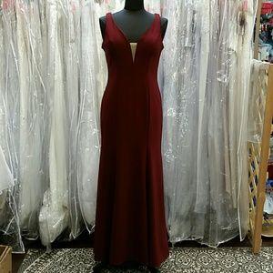 Dresses & Skirts - Elegant Dark Red Dress
